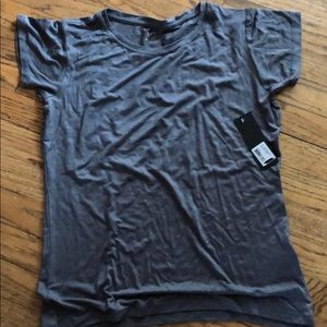 New woman's t shirt size large gray gnw